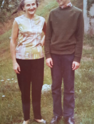 Janina Ludawska z synem Tomaszem, Sztokholm, lata 70. XX wieku.